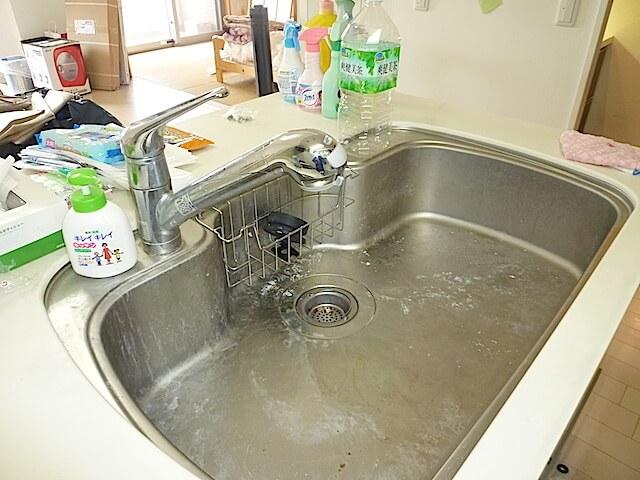 アンビシャスプラザ千葉中央 キッチンシンク洗浄前の様子