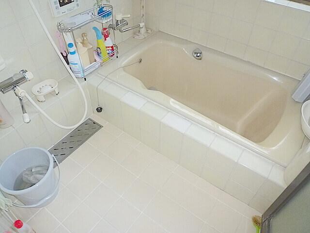 千葉市花見川区 花園町 一戸建て住宅 浴室洗浄後の様子