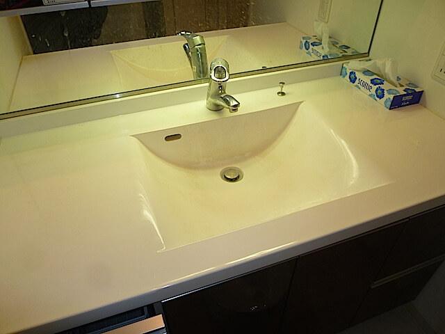 アンビシャスプラザ千葉中央 洗面台洗浄前の様子
