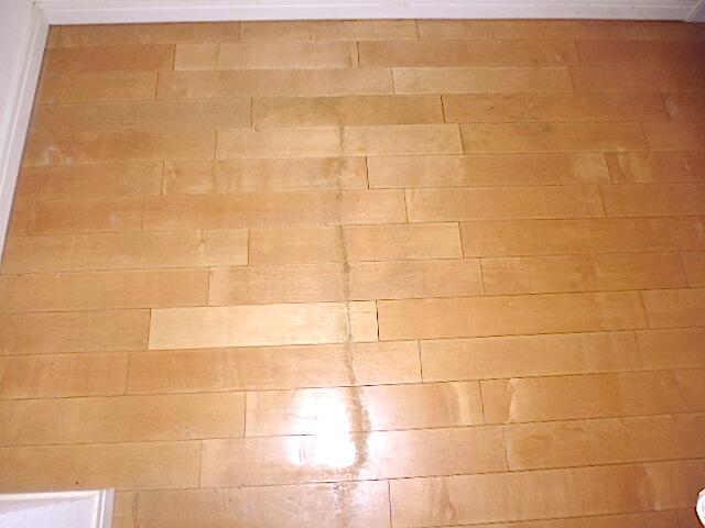 グランシティミレナ 床洗浄WAX塗布前の様子