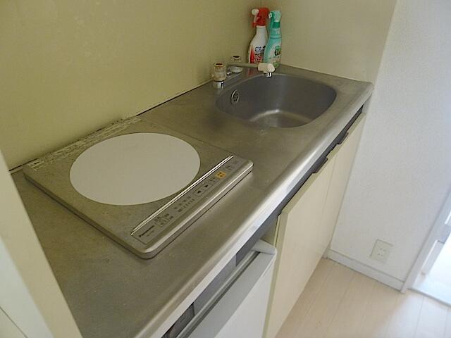 松戸市1Rアパート 退去清掃 キッチン洗浄前の様子