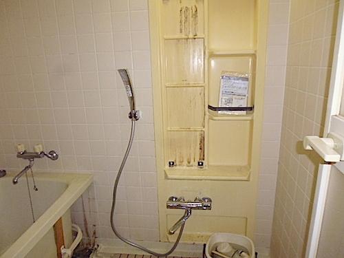 おゆみ野パークハウス1番館、浴室、入居前清掃の様子