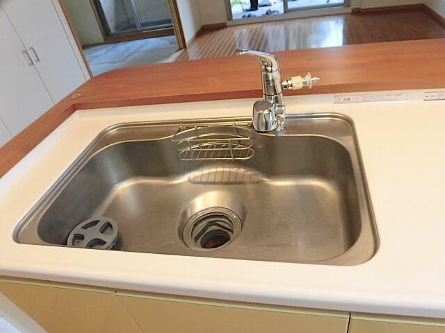 ヴィスタスクエア秋山 キッチン洗浄後 の様子