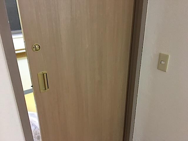 東京 江戸川区 老人ホーム 原状回復工事① スライドドア補修後の様子