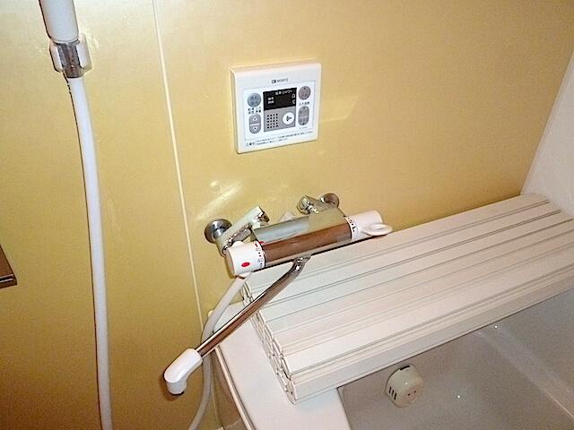 千葉県 八千代市 ベルヴィル勝田台 入居前清掃 浴室洗浄後の様子