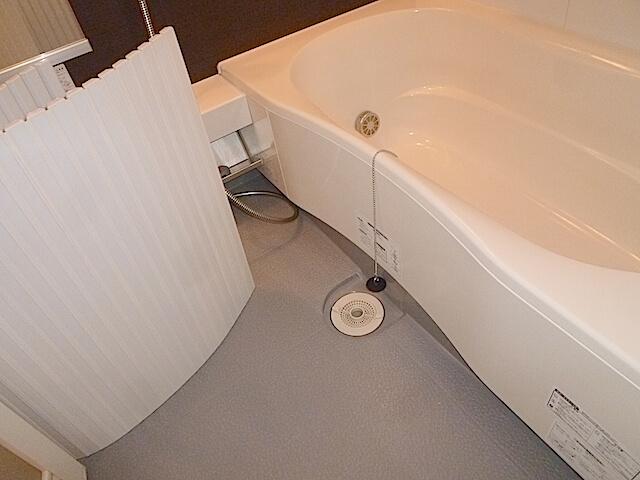 千葉市美浜区 コロンブスシティ 入居前清掃 浴室洗浄後の様子