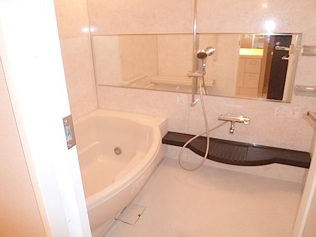千葉県 八千代市 マンション エルプレシア 入居前清掃 浴室洗浄後の様子
