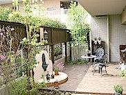 庭付きマンションのランドスケープ