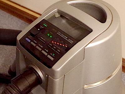排気が綺麗な水フィルター吸塵機を使用
