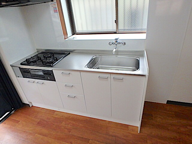 葛飾区立石 一戸建て住宅 入居前清掃 キッチン洗浄後の様子