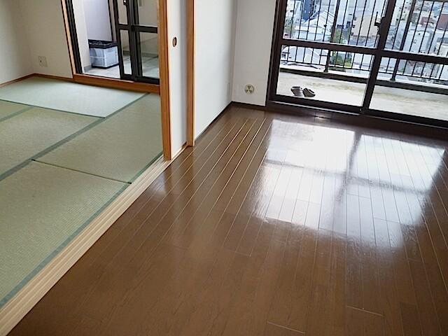 千葉県 佐倉市 ザ・ウィンベル臼井王子台 入居前清掃 床洗浄後の様子